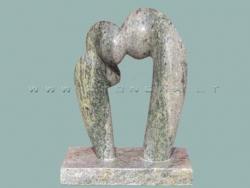 Скульптура из камня Гномики